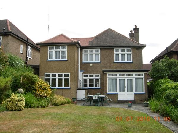 f1574-dscn2180-house-rear-view